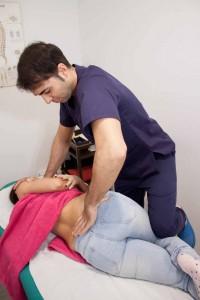 osteopatía, manipulación vertebral